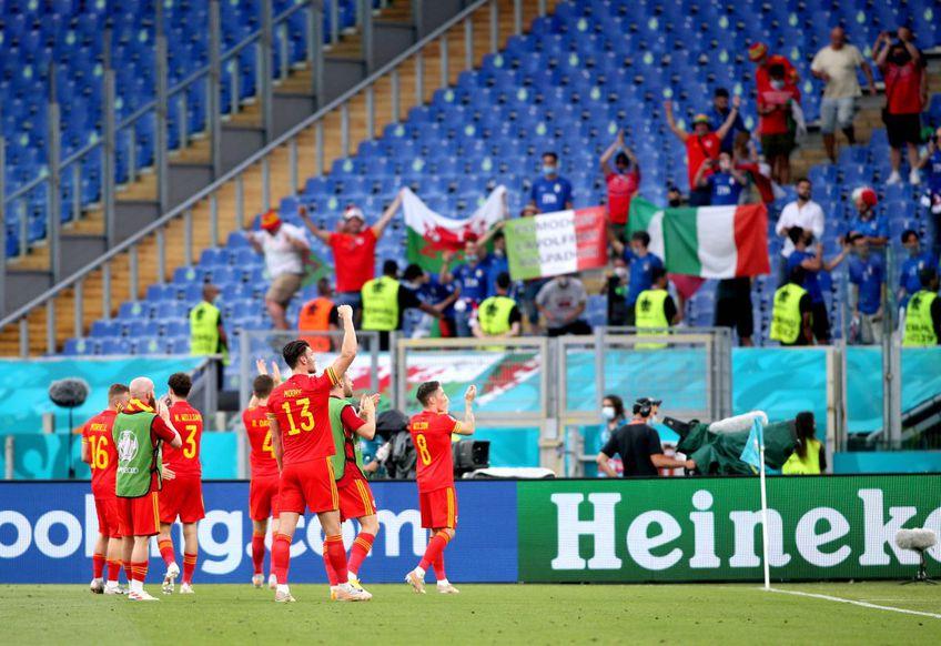 Doi fani galezi ce veneau din Baku, cu zbor prin Rusia, au fost blocați în Olanda și nu pot vedea meciul cu danezii. Foto: Imago