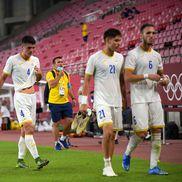 """""""Tricolorii"""" și Mirel Rădoi, deznădăjduiți după eșecul usturător de la Jocurile Olimpice / foto: Raed Krishan (Tokyo)"""