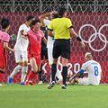 România a cedat fără drept de apel în fața Coreei de Sud, scor 0-4, în cel de-al doilea meci de la Jocurile Olimpice. Marius Marin, autorul unui autogol, invocă și ghinionul.