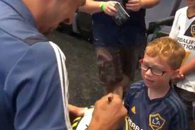 """VIDEO Un copil l-a întrebat pe Ibrahimovic: """"Mă cunoști?"""" » Reacția lui Zlatan"""