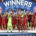 Bayern a luat al patrulea trofeu în 2020 și Flick e primul antrenor german cu acest record // FOTO: Guliver/GettyImages