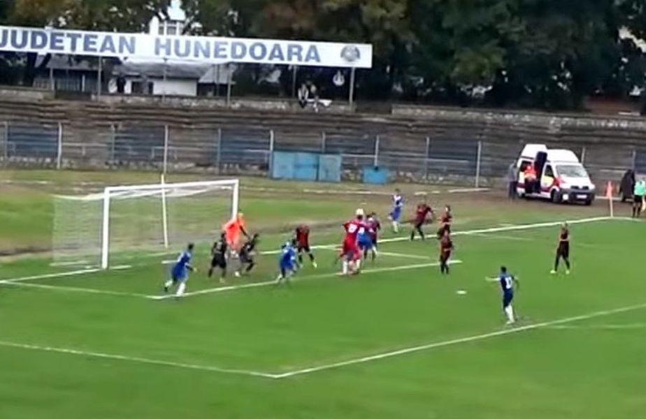 Momentul golului de 3-3 în CS Hunedoara - CSO Cugir // sursă foto: captură YouTube