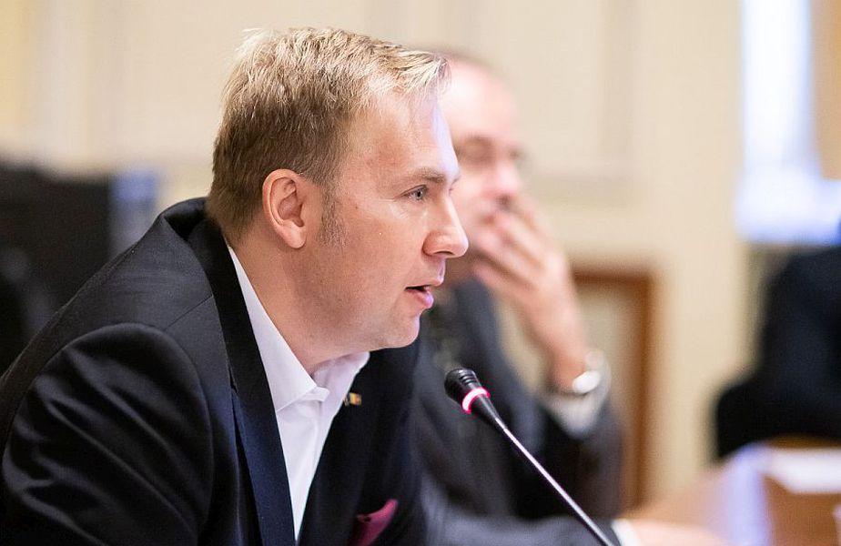 Victor Costache și-a dat demisia din funcția de ministru al Sănătății