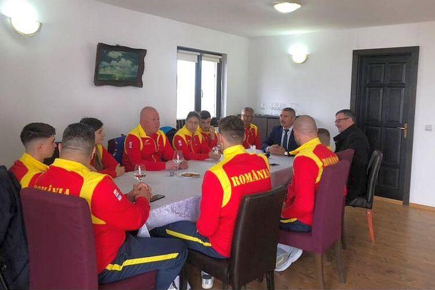9 români și antrenorii lor au fost la turneul preolimpic de la Londra