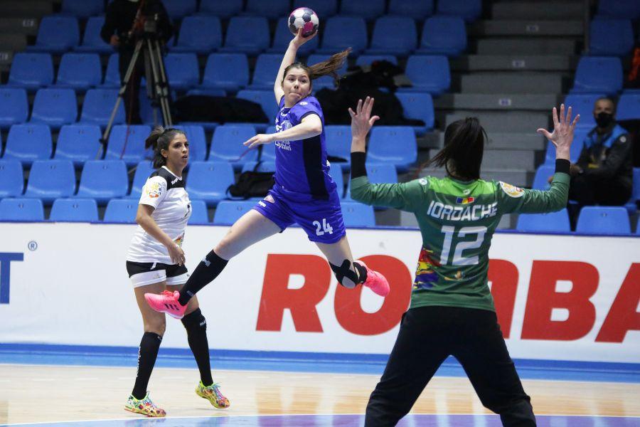 Martine Smeets în acțiune, în meciul cu Gloria Buzău FOTO sportpictures.eu