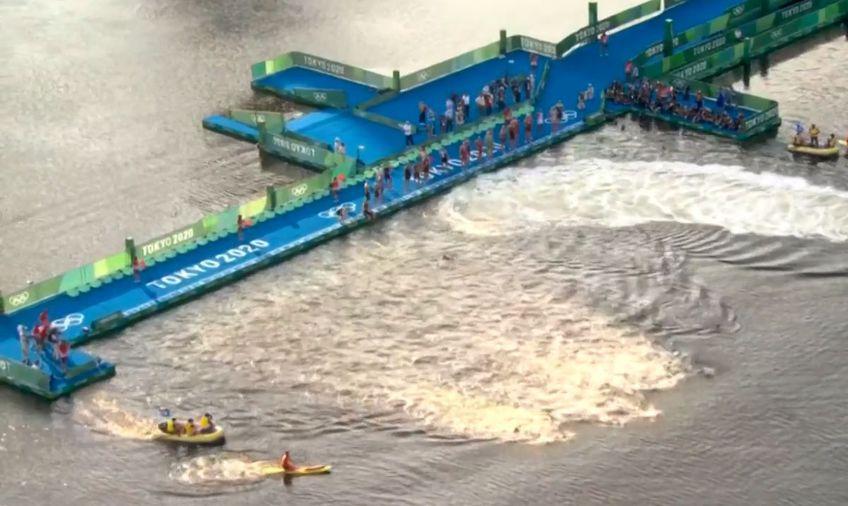 Proba de triatlon masculin de la Jocurile Olimpice a oferit un moment amuzant. Jumătate dintre sportivi nu au auzit semnalul de start.