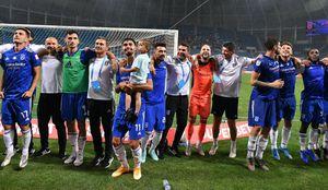 """FCU Craiova - Dinamo 1-0. Oltenii au sărbătorit cu fanii prima victorie în Liga 1 pe """"Oblemenco"""" » Mutu, dezlănțuit"""