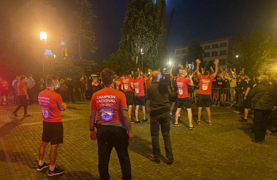 Croații acuză că fanii clujeni le-au deranjat somnul. Reclamația a ajuns pe masa reprezentanților UEFA.