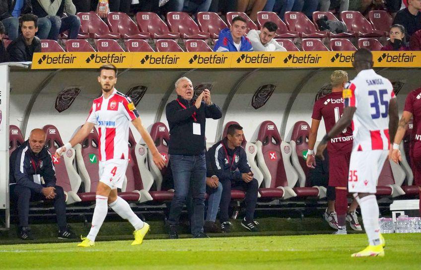 """. Nana Falemi (47 de ani), fostul mijlocaș stelist, crede că fotbaliștii """"feroviari"""" nu au încredere în antrenorul Marius Șumudică."""