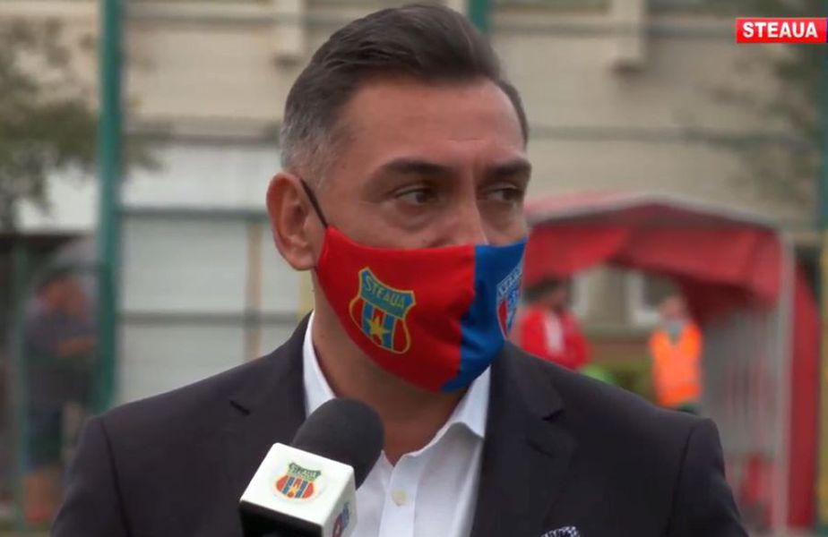 Ilie Dumitrescu, la stadionul Ghencea // foto: captură Youtube @ Steaua TV