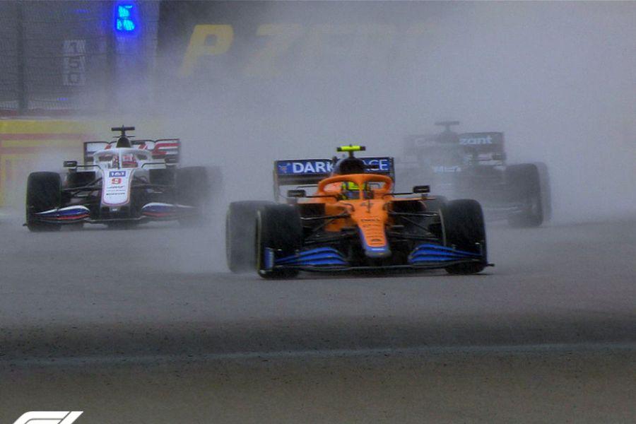 Final dramatic în MP al Rusiei! Hamilton, la victoria 100 după ce ploaia a schimbat totul în ultimele tururi