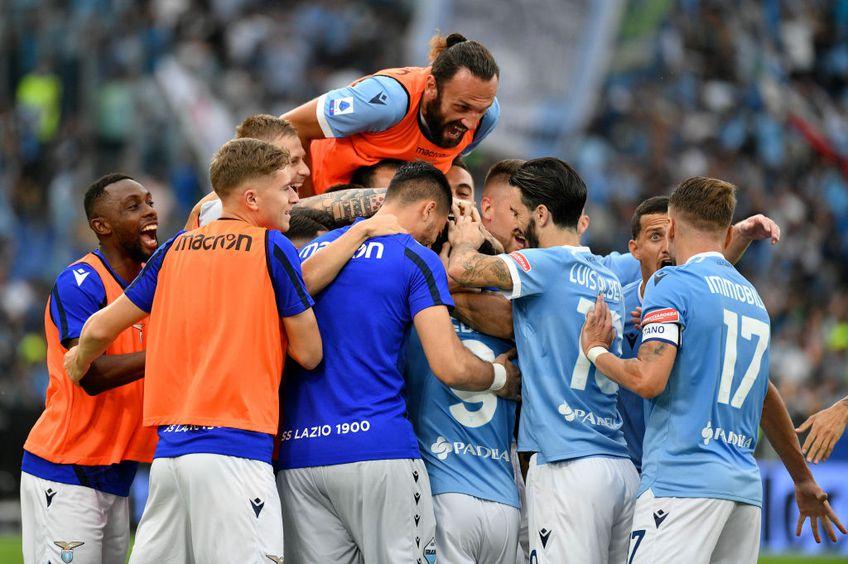 Lazio și AS Roma se întâlnesc astăzi, de la ora 19:00, în runda cu numărul 6 din Serie A. Partida poate fi urmărită în format liveTEXT pe GSP.ro și televizat pe Telekom Sport 3, Digi Sport 3 și Look Sport.