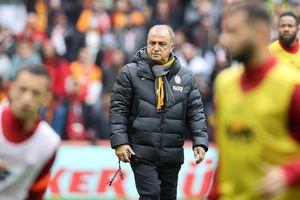Presa din Turcia anunță: Fatih Terim vrea să dea afară 7 jucători de la Galatasaray!