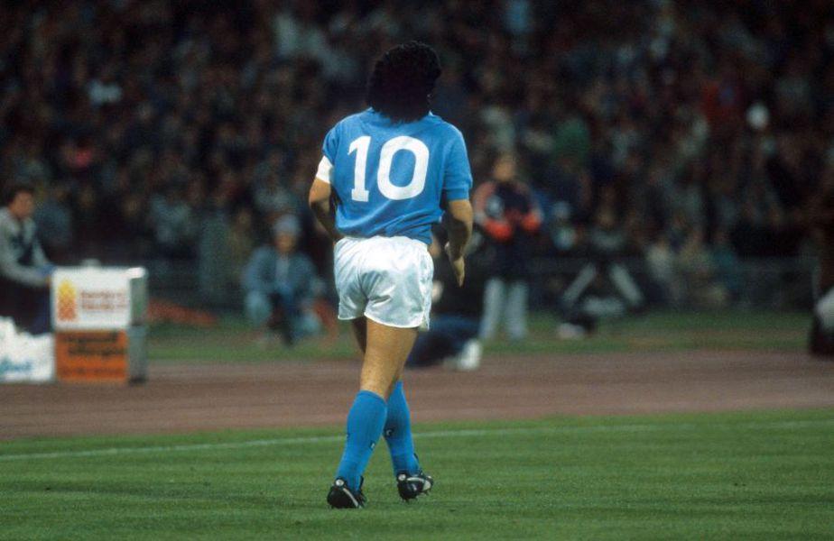 Diego Maradona a purtat numărul 10 la Napoli // foto: Imago