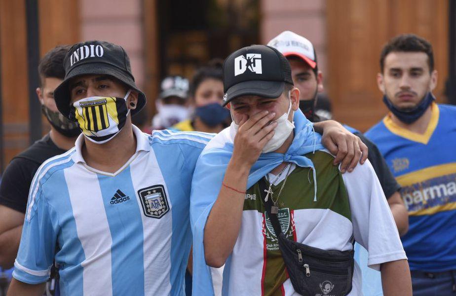 Diego Maradona a murit miercuri, 25 noiembrie 2020, la doar 60 de ani. El Pibe D'Oro va fi înmormântat în această seară.