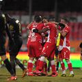 """Dinamo a învins-o pe Gaz Metan, scor 2-1, în runda cu numărul 19 din Liga 1. """"Câinii"""" au câștigat și grație unei greșeli grave comise de arbitrul Marcel Bîrsan."""