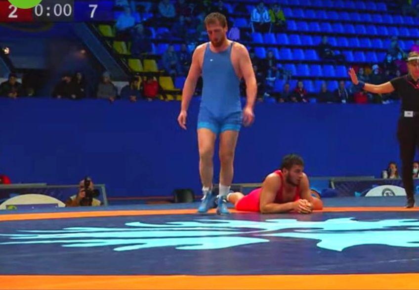 Albert Saritov (35 de ani), luptătorul cecen care luptă sub tricolorul României și care a adus un bronz la precedenta ediție a Jocurilor Olimpice, a încheiat din nou pe podium. A luat bronzul la categoria 97 de kg.