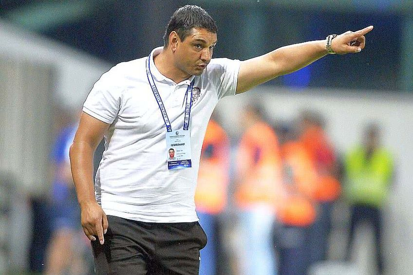 Ionel Ganea i-a acuzat pe Gică Hagi și pe Gică Popescu că nu l-au lăsat pe băiatul său să se întoarcă acasă cât timp campionatul e suspendat.