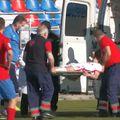Andrei Mitran, urcat în ambulanță // foto: captură @ Steaua TV
