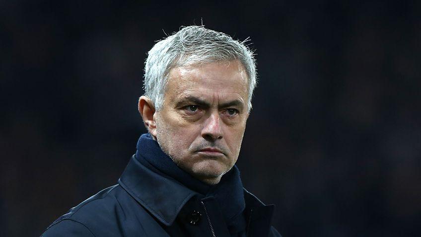Mourinho caută sursa presei în vestiarul lui Tottenham