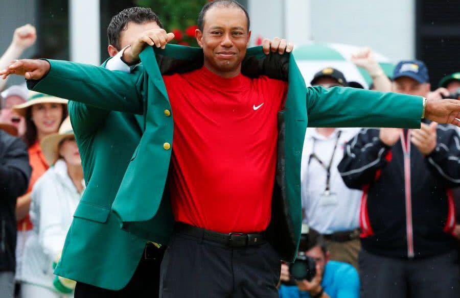 Marca a făcut bilanțul căderii lui Tiger Woods: relații sexuale cu peste 100 de femei, suma URIAȘĂ pierdută la partaj + beție la volan