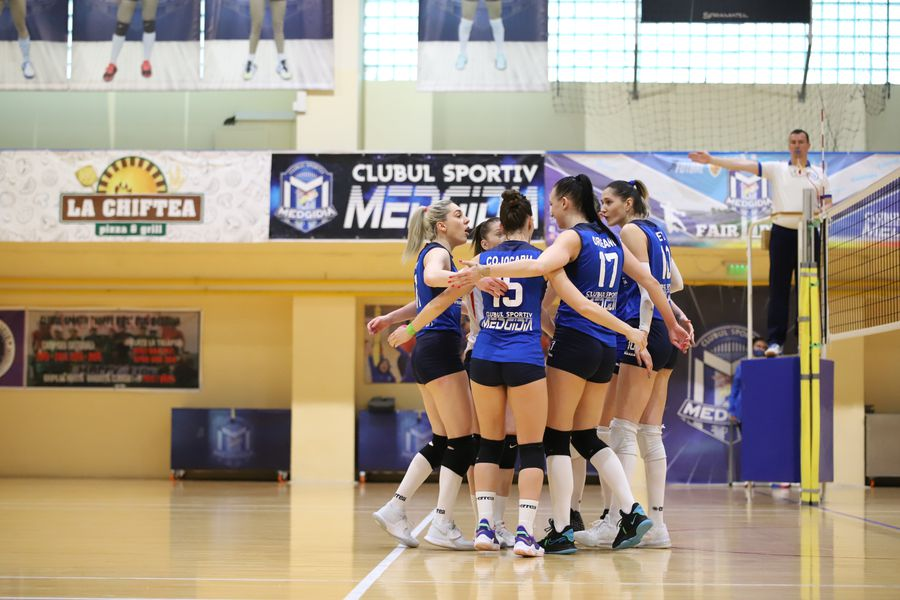 Jucătoarele de la Medgidia după un punct reușit FOTO Alexandru Obreja
