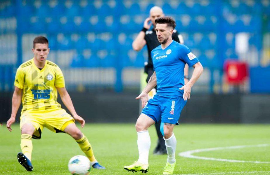 Alex Băluță (albastru) // sursă foto: Facebook @ Slovan Liberec