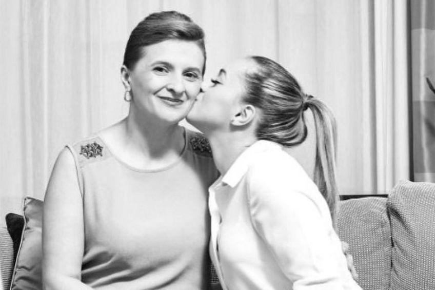 Larisa Iordache, alături de mama ei. Sursă foto: Instagram