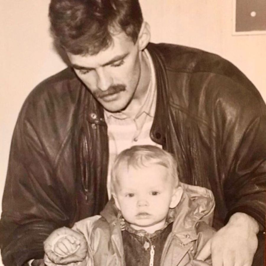 Shenia copil alături de tatăl ei, Andrej Foto Instagram