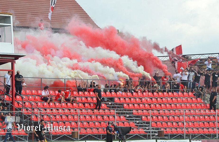 UTA a fost încurajată de fani la meciul cu Rapid // FOTO: Viorel Musca