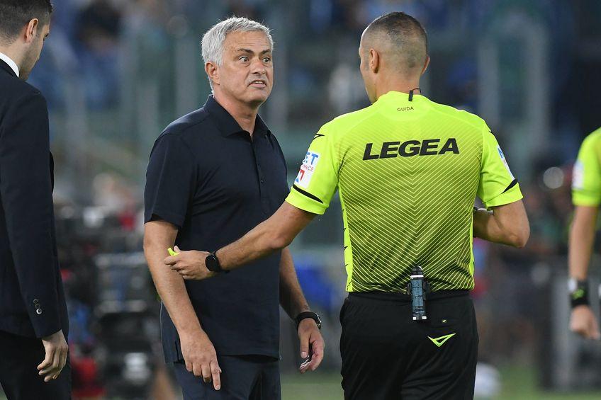 Mourinho, protest contra arbitrilor după înfrângerea cu Lazio // sura foto: Imago