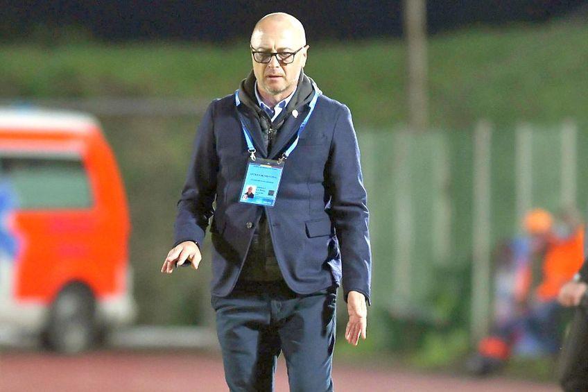 Gaz Metan Mediaș și Sepsi Sf. Gheorghe au remizat, scor 0-0, în runda cu numărul 10 din Liga 1. Leo Grozavu (54 de ani), antrenorul covăsnenilor, cere răbdare din partea conducerii și se plânge de lipsa de inspirație din ultima treime.