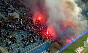 """Fanii olteni s-au dat în spectacol în debutul disputei cu Dinamo! Ce s-a întâmplat în tribunele arenei """"Ion Oblemenco"""""""