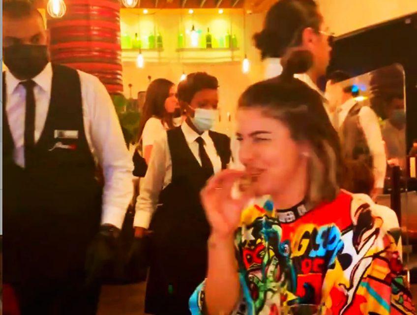 Bianca Andreescu (20 de ani, 7 WTA) își petrece sărbătorile de iarnă la Dubai. Campioana de la US Open 2019 l-a vizitat pe celebrul bucătar Salt Bae.