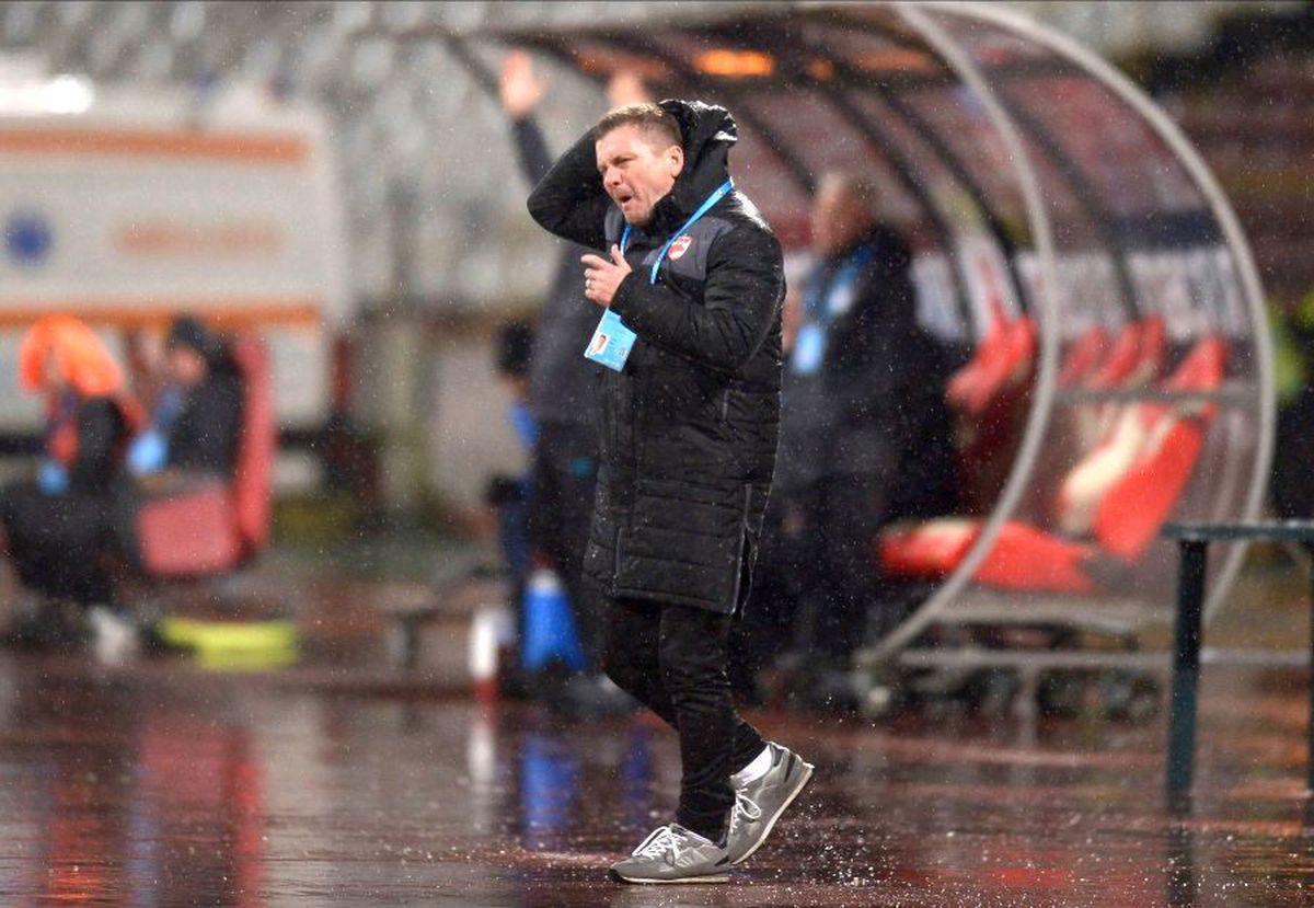 """DINAMO - CLINCENI 0-1 // Dusan Uhrin nu s-a mai putut abține: """"Sunt furios pe jucători, pe tot! Doar fanii o fac mare pe Dinamo"""""""