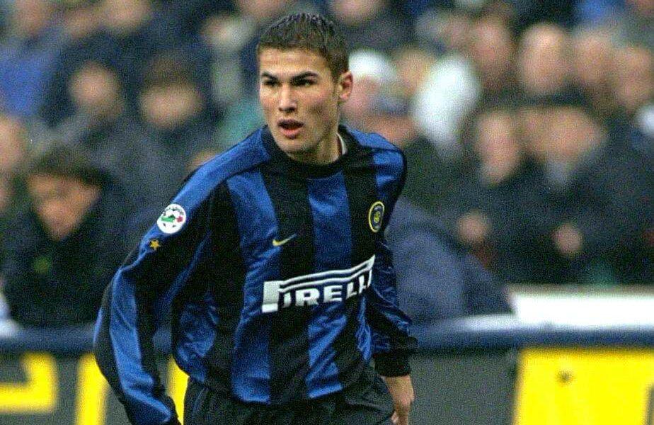 Adrian Mutu a jucat în Italia pentru Inter, Hellas Verona, Parma, AS Livorno, Juventus, Fiorentina și Cesena