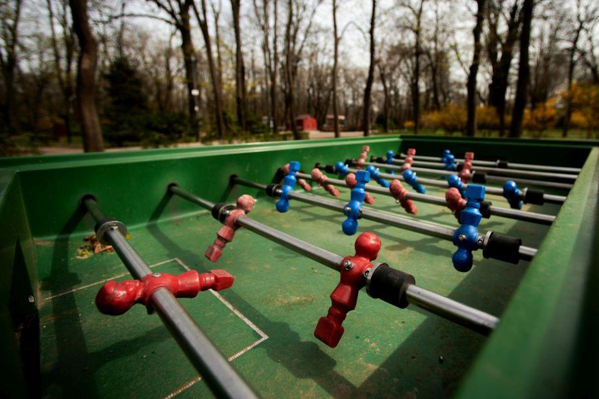 Parcurile din București au fost închise, din cauza pandemiei de COVID-19