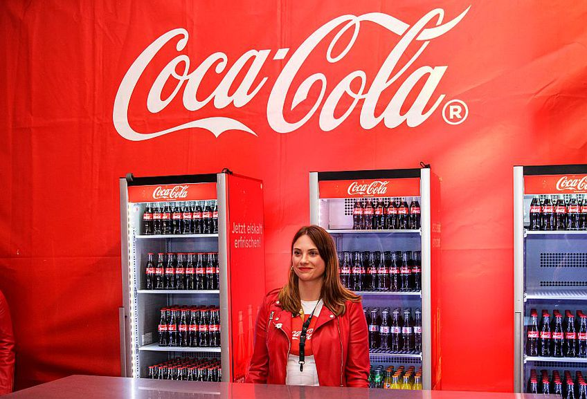 Un stand Coca-Cola la un meci disputat la Dortmund, foto: Guliver/gettyimages