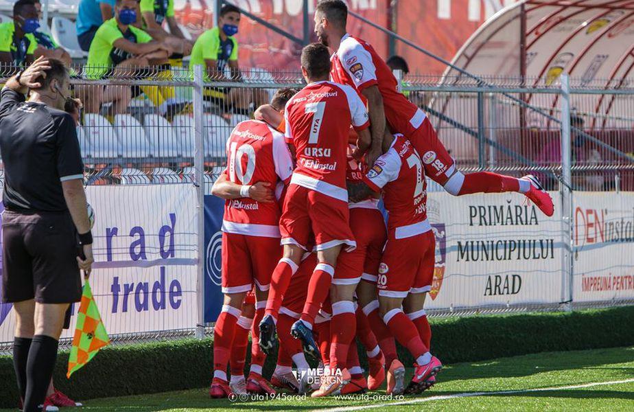 Promovarea în Liga 1 se decide duminică, de la ora 18:30. UTA, FC Argeș, Mioveni, Turris și Rapid se bat pentru primele două locuri! Petrolul e singura echipă fără șanse.