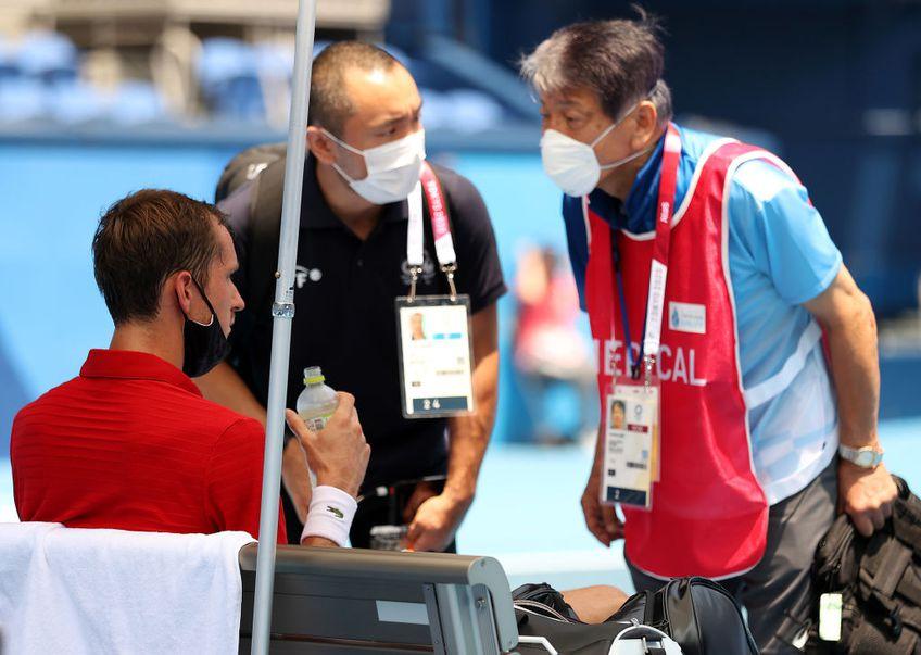 Rusul Daniil Medvedev (31 ATP) l-a învins pe italianul Fabio Fognini (31 ATP), scor 6-2, 3-6, 6-2, și s-a calificat în sferturile de finală la Jocurile Olimpice. Meciul a fost marcat de un moment teribil.