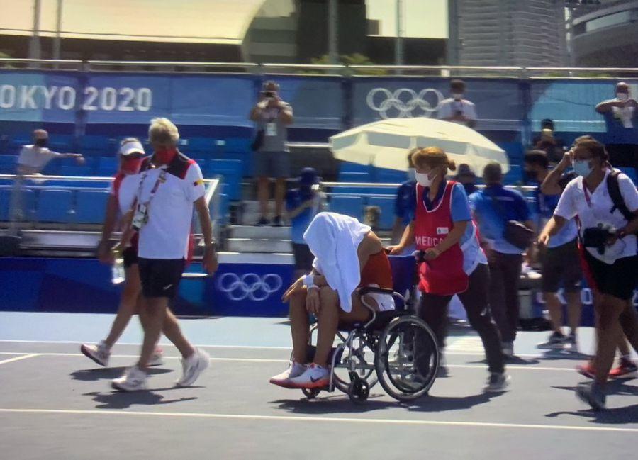 """Momente teribile în disputa Medvedev - Fognini de la Jocurile Olimpice: """"Dacă mor aici, cine își asumă reponsabilitatea?"""" + Badosa, scoasă în cărucior de pe teren"""