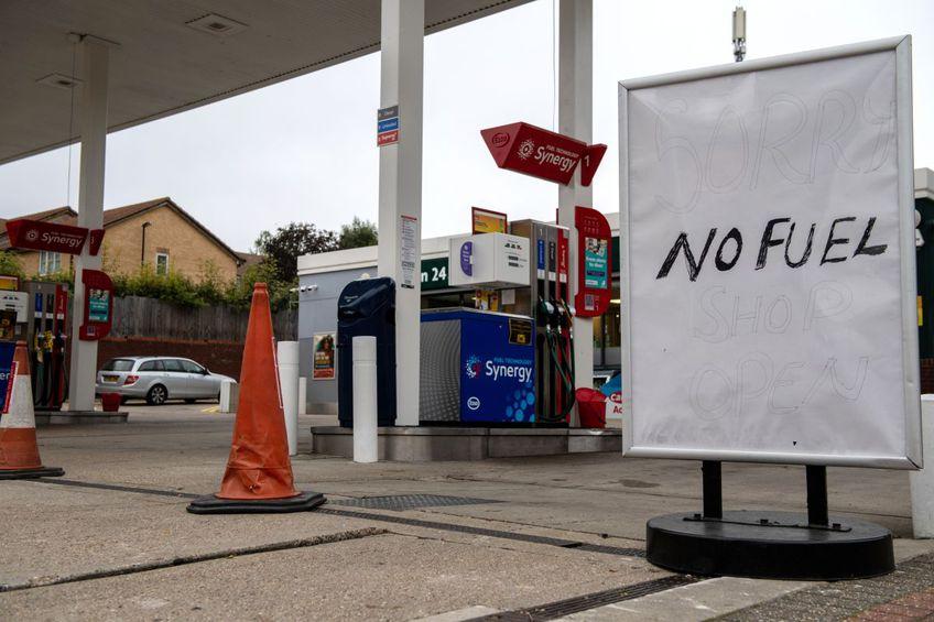 Mai multe benzinării din Anglia sunt închise // foto: Guliver/gettyimages