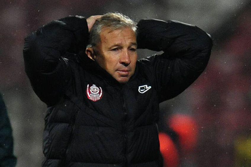 """CFR Cluj. Dan Petrescu trebuie să jongleze pe mai departe cu lotul subțiat de coronavirus și de accidentări. La meciul cu ȚSKA Sofia, de joia viitoare, poate apărea un singur fotbalist """"nou"""", stoperul Paulo Vinicius."""