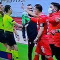 """Căpitanul lui Sivasspor, Hakan Arslan, i-a dovedit """"centralului"""" că greșise validând primul gol al lui Beșiktaș"""
