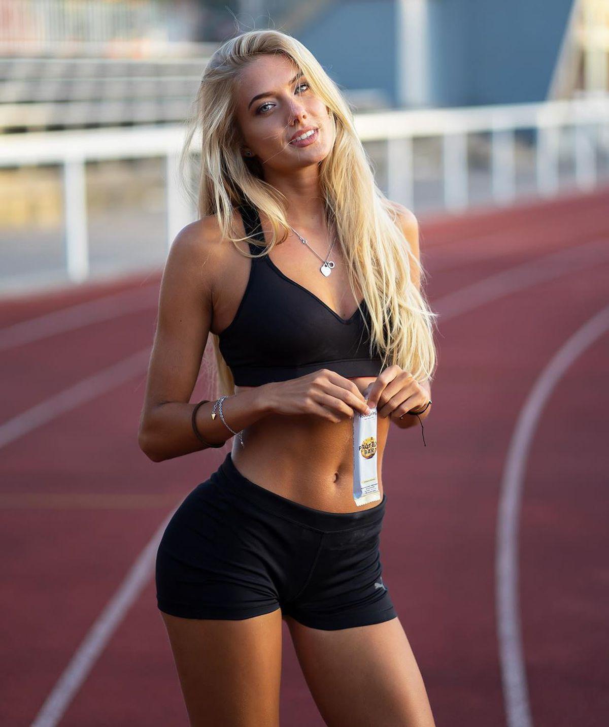 """FOTO """"Cea mai sexy atletă din lume"""", Alica Schmidt, revine la antrenamente după ce a stat în carantină peste o lună"""