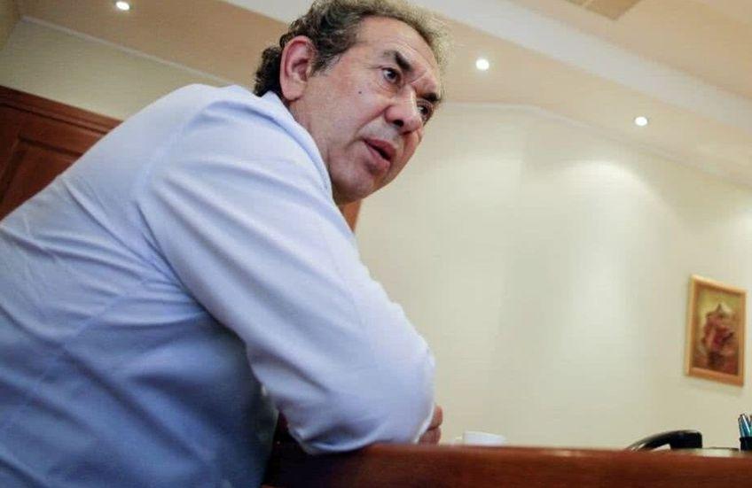 Nicolae Badea, fostul președinte al lui Dinamo, continuă să plănuiască din umbră scenarii pentru salvarea clubului. El vrea să-l instaleze ca manager general pe Cristian Iancu, șeful unei companii de marketing și prieten cu Lupescu și cu Răzvan Lucescu.