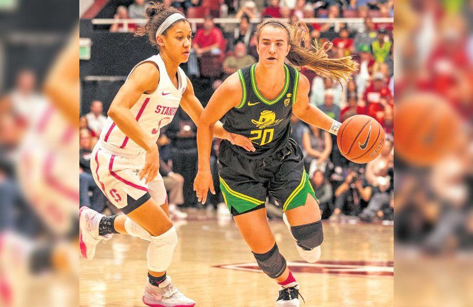 Sabrina Ionescu în acțiune în tricoul celor de la Oregon Ducks FOTO Hepta