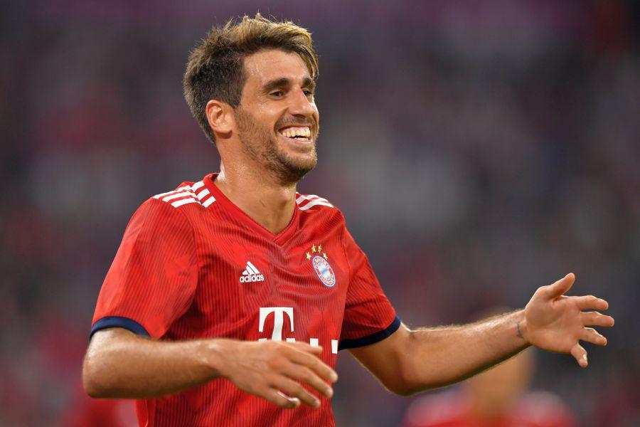 """Javi Martinez, mijlocașul lui Bayern, s-a """"angajat"""" la Crucea Roșie » Livrează alimente și medicamente pentru bătrâni"""