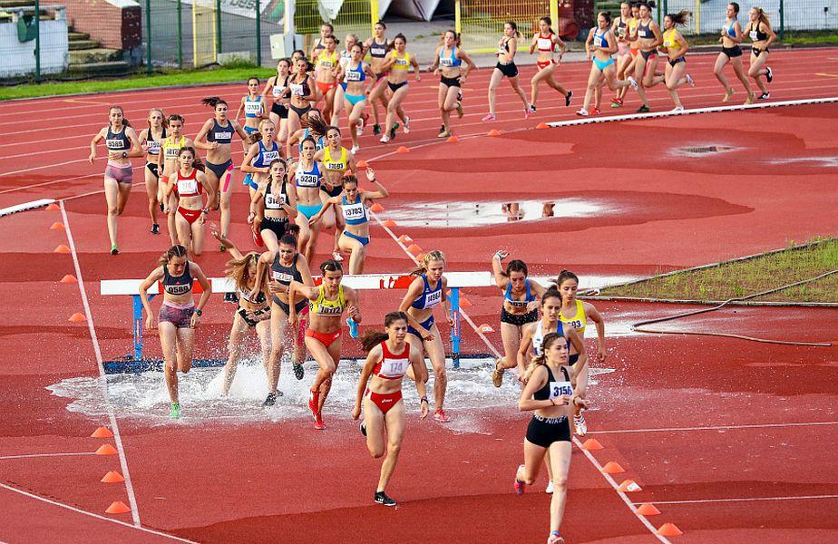 Federația de Atletism consideră că, pe fondul relaxării condițiilor de izloare, ar putea reîncepe competițiile spre sfârșitul lunii iulie. FOTO: Marius Ionescu