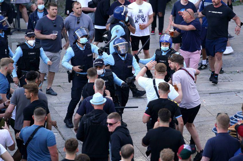 Fanii lui City și Chelsea s-au bătut între ei, dar și cu polițiștii portughezi
